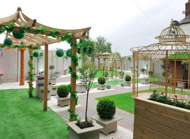 garden-picture-at-crown--banqueting